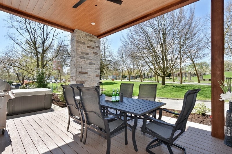 PNE Prize Home - Backyard Deck