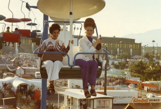 Women on Sky Glider chair liftsm